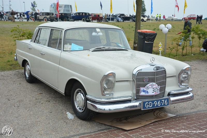 Mercedes=Benz 220 S Heckflosse, 1961