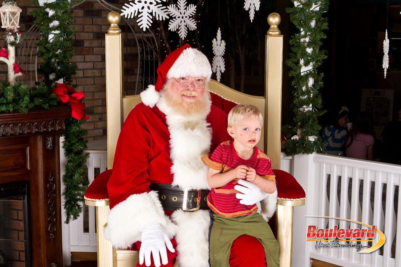 Santa Dec 8-137.jpg