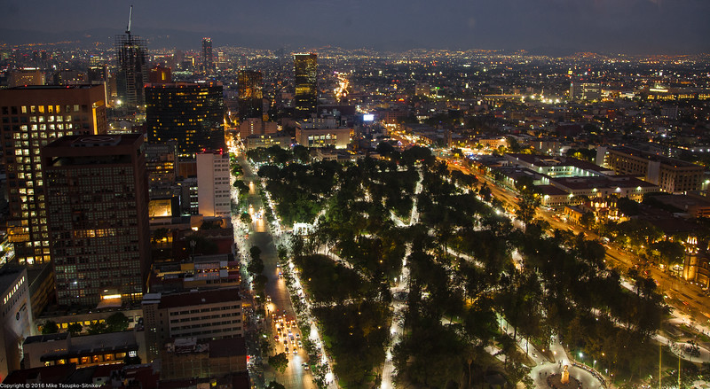 Mexico City at night - a view from Torre Latinoamericana 0069.jpg