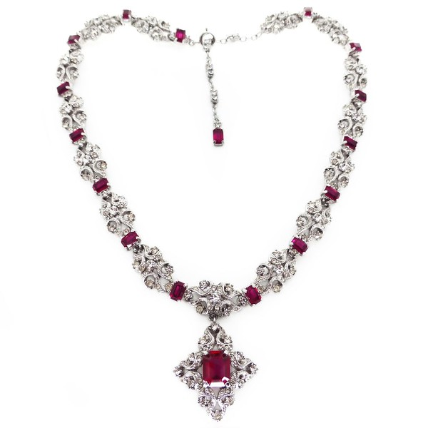VINTAGE PASTE MAGENTA GLASS RHINESTONE PANEL ORNATE DROP NECKLACE