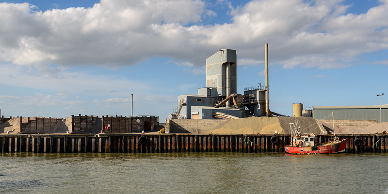 Aggregates industry at Whitstable Harbour