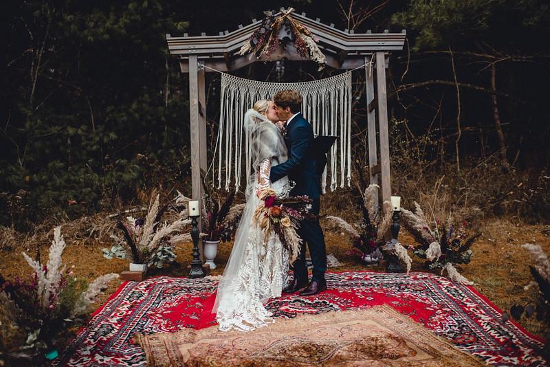 Requiem Images - Luxury Boho Winter Mountain Intimate Wedding - Seven Springs - Laurel Highlands - Blake Holly -1085.jpg