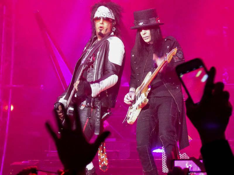 Motley Crue - Nikki Sixx & Mick Mars 2, Staples Center, 2015