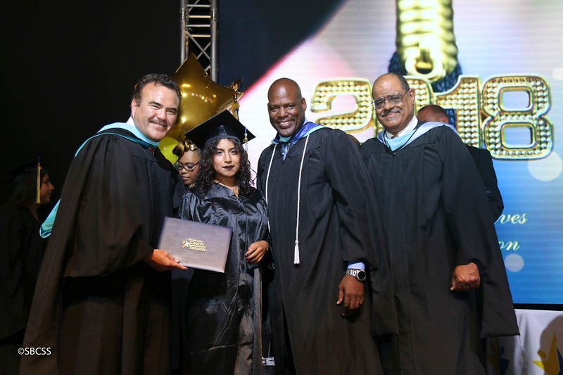 20180615_StudentServGrad-diplomas-97.jpg