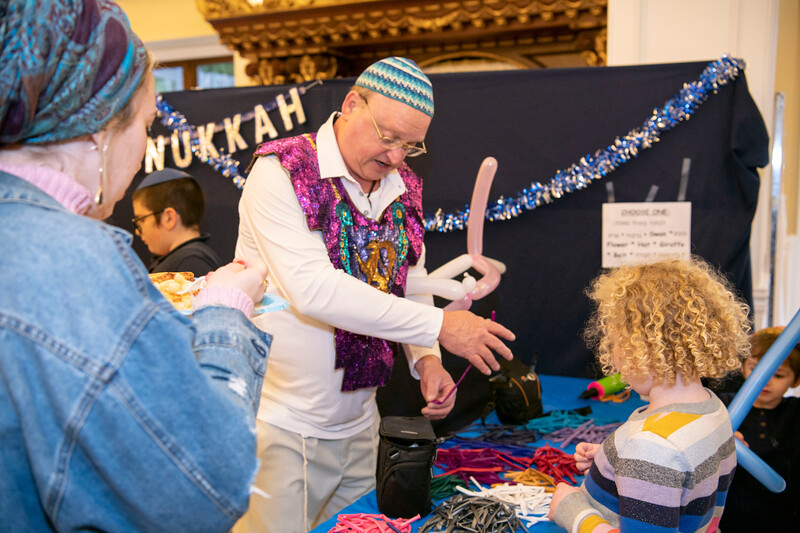 Brentwood Chabad -Chanukah123.jpg