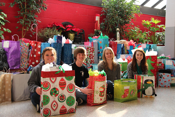 2013,  Beta Club provides Christmas for many Children