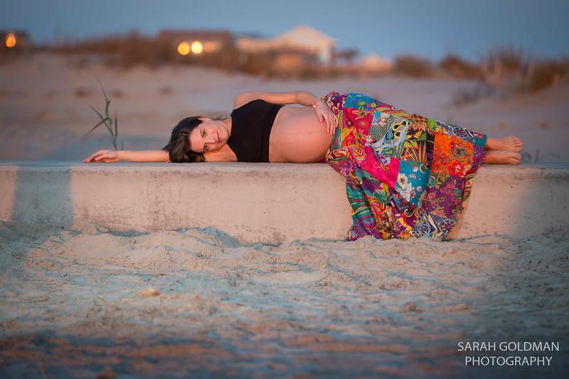 maternity-photos-at-the-beach (65).jpg