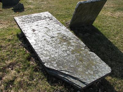 Dr. Isaac Senter Grave