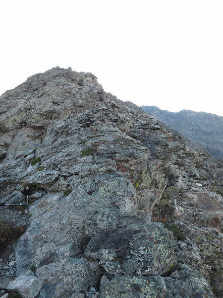 Route going forward, on the east side of the ridge.