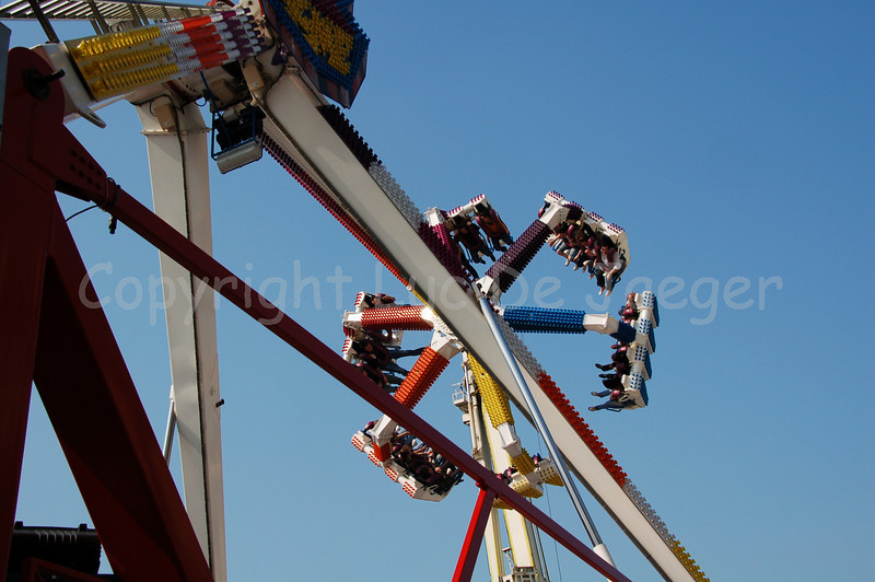 """The X-Treme is kind of a """"G-Force"""" attraction going to 21m in height above the ground and inclining 120 degrees. Shot with the Nikkor 18-200mm zoom lens. No post processing at all."""