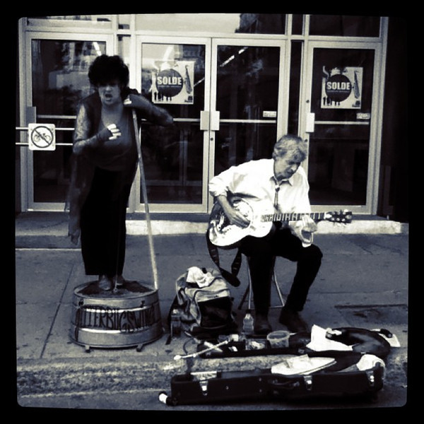 Jazz couple in Montreal - she plays the wash tub