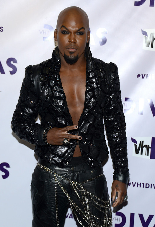 ". LOS ANGELES, CA - DECEMBER 16:  Actor/singer KraVen Tionne attends ""VH1 Divas\"" 2012 at The Shrine Auditorium on December 16, 2012 in Los Angeles, California.  (Photo by Michael Buckner/Getty Images)"