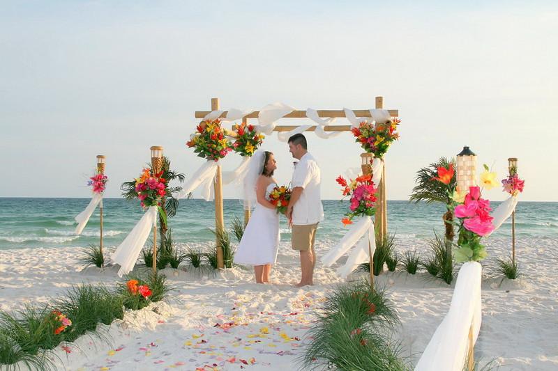 Weddings_florida-disneyland-destin-weddings-packages-beach-2361511.jpg