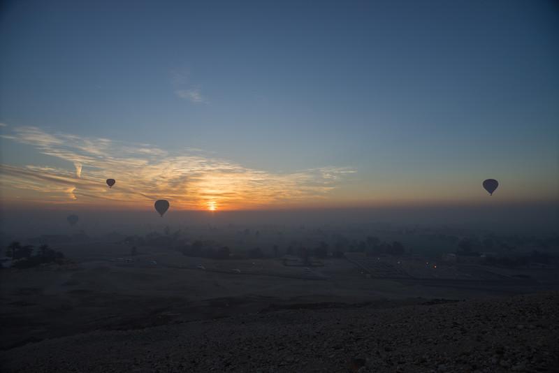 Amaneciendo en el valle del Nilo. Luxor