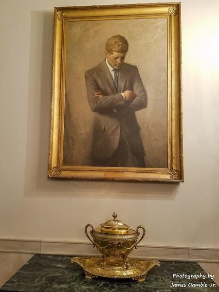 White-House-Tour-120827.jpg