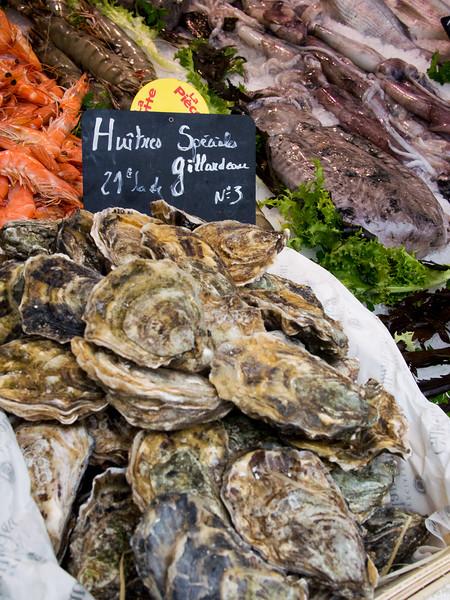 aix en provence market oysters 2.jpg