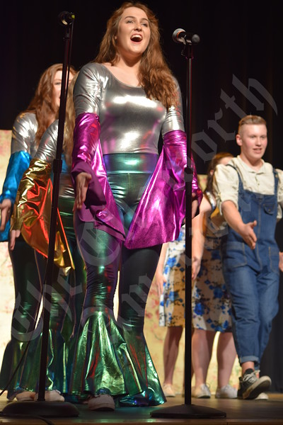 "Sumner Memorial High School Show Choir's ""Mama Mia"" production"