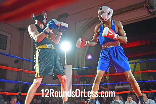 Bout 11 Brandon McCollum, Red Gloves, Rob Berto's BC, Cleveland -vs- Kyle McIntyre, Blue Gloves, WSBC, Lakewood, 141 Lbs, Sub-Novice