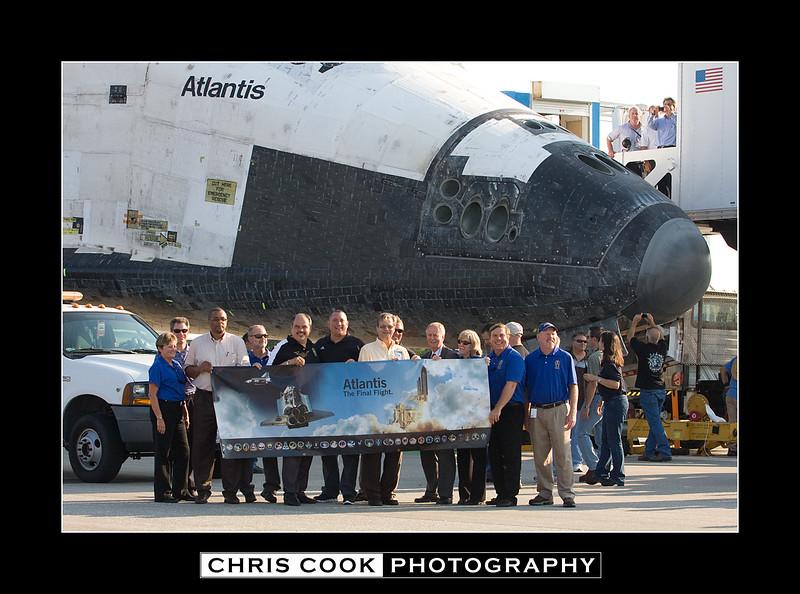 STS-135-landing-18.jpg