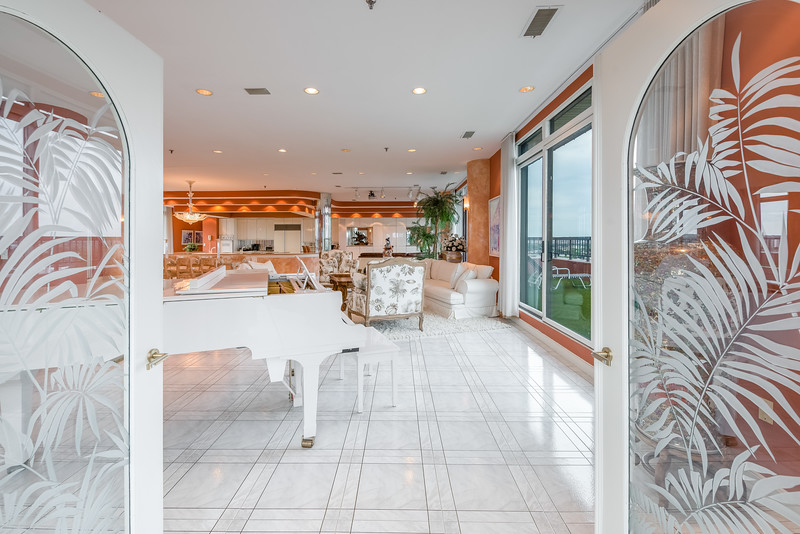 3920 Mystic Valley Parkway - Penthouse