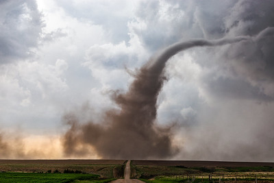 May 2nd - 6th  -  Storm Chasing Workshop in Tornado Alley
