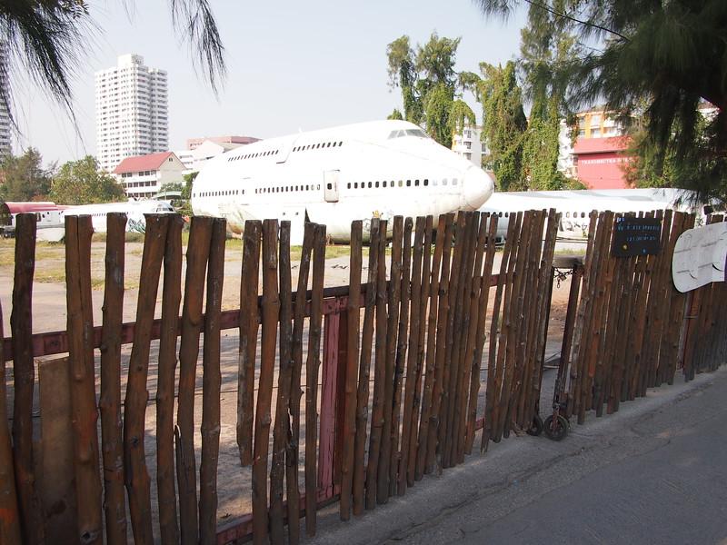 P3042816-fence.JPG