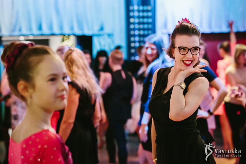 20191210-181313_0099-ladies-night-vavruska-charitas.jpg