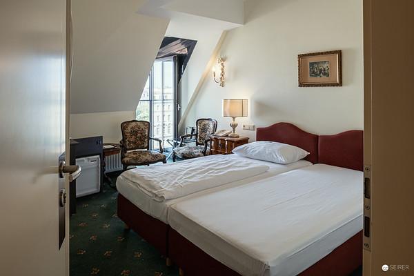 2020-06-23 Hotel Regina