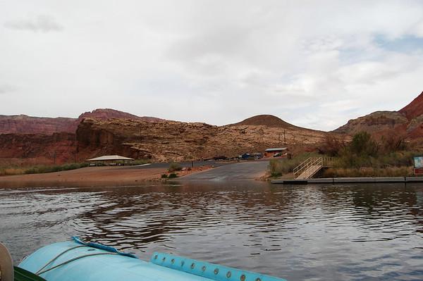 Paddling Colorado River Glen Canyon
