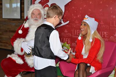 2017-12-10 Santa Comes To Cobb