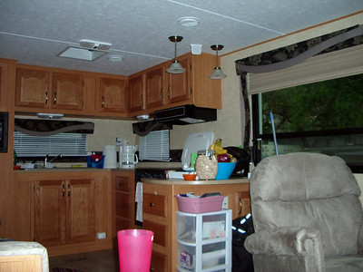 Bay Aire Campground, Palm Harbor Fla. winter 06-07 Click  on picture to enter gallery.