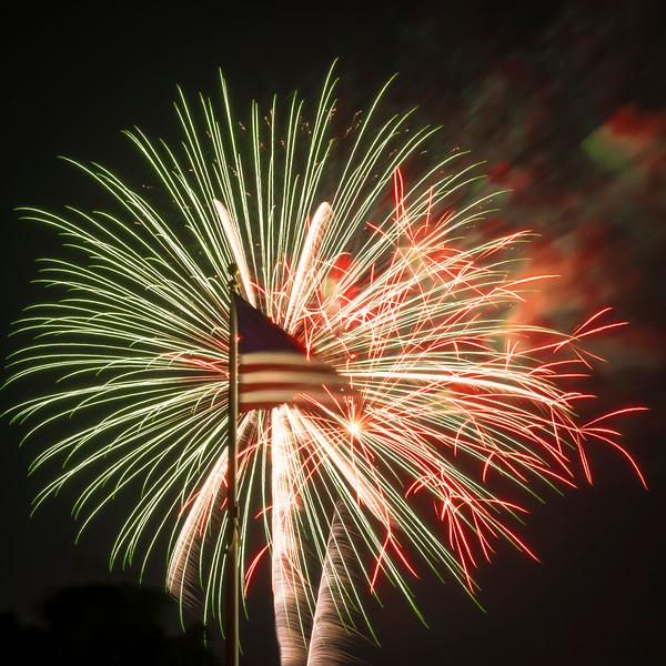 Fireworks Oakley '19-1.jpg