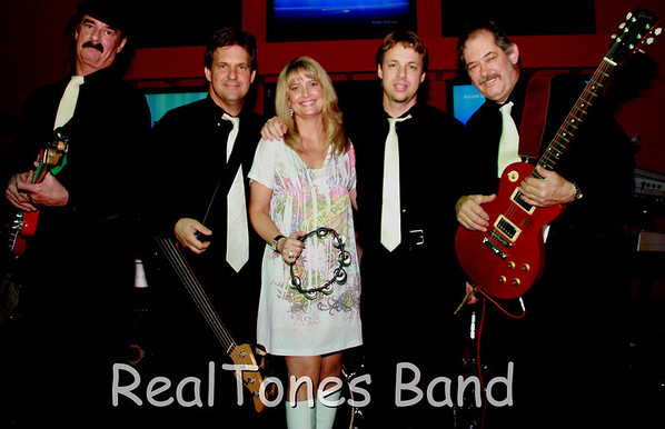 THE REALTONES Back to the 50s