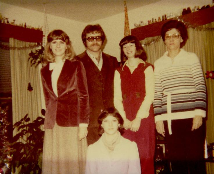 1974 - Lein Family.jpg