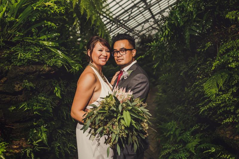 Garfieldpark-conservatory-wedding-38.jpg