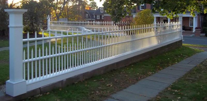 448074 - Farmington CT - Custom Spindle Fence
