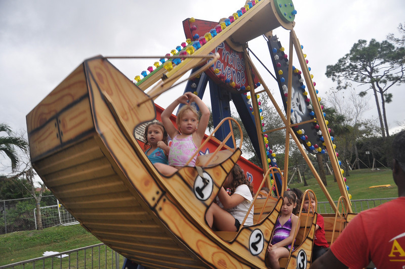 2009 December 6 Pine Crest Carnival 233.jpg