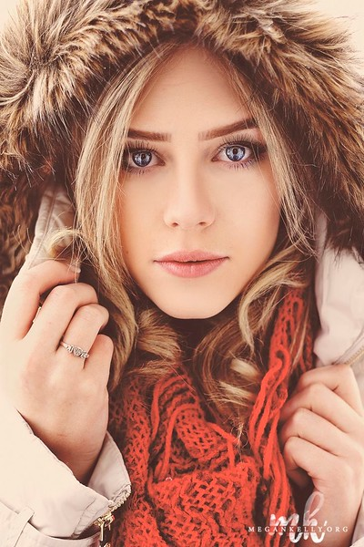 a03830be1da9c933ae61eff8382fd3ea--photography-poses-for-teens-winter-photography.jpg