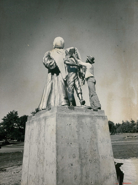 . SEP 4 1976. Statues Prepared For Dedication Ceremonies. Bronze statues in City Park are prepared for dedication at 1:30 p.m. Sunday. The statues are of the late Dr. Martin Luther King and Emmett Till, a 14- year-old black youth who was lynched near Money, Miss., in 1955 purportedly for whistling at a white woman. Derek King, a nephew of the slain civil rights leader, and Mrs. Mamie Mobley, Till\'s mother, will attend the cere­monies, to be held in the southwest corner of the park. Numerous Denver civil and political leaders also will be on hand for the dedication rites.   (David Cupp/Denver Post, Inc)