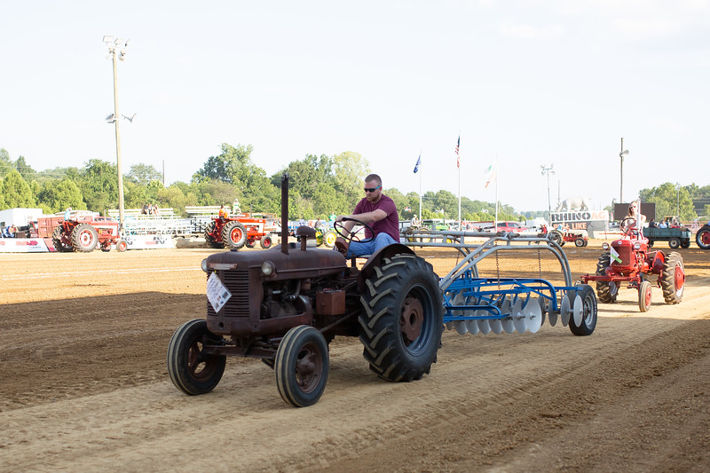 Antique Tractor Parade-118.jpg
