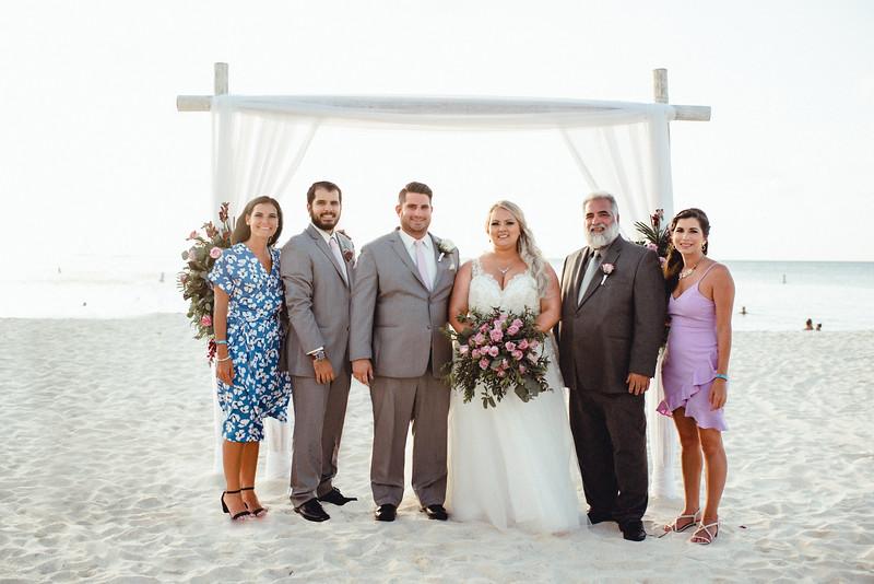 Megan + Aaron + Aarons dad + siblings.jpg