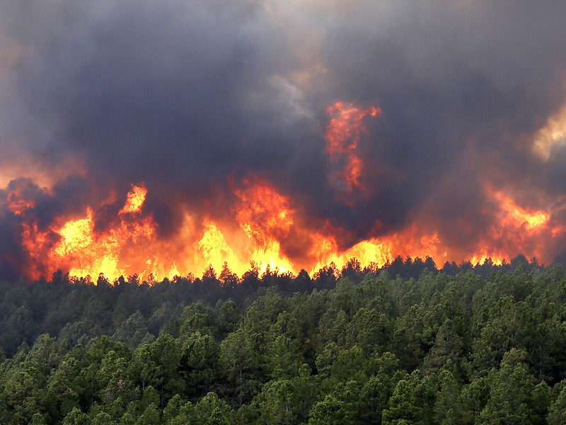 wildfires-are-tearing-through-colorado-springs-again.jpg