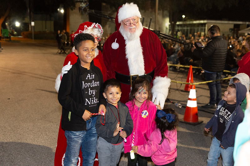 Christmas Tree Lighting_2019_046.jpg