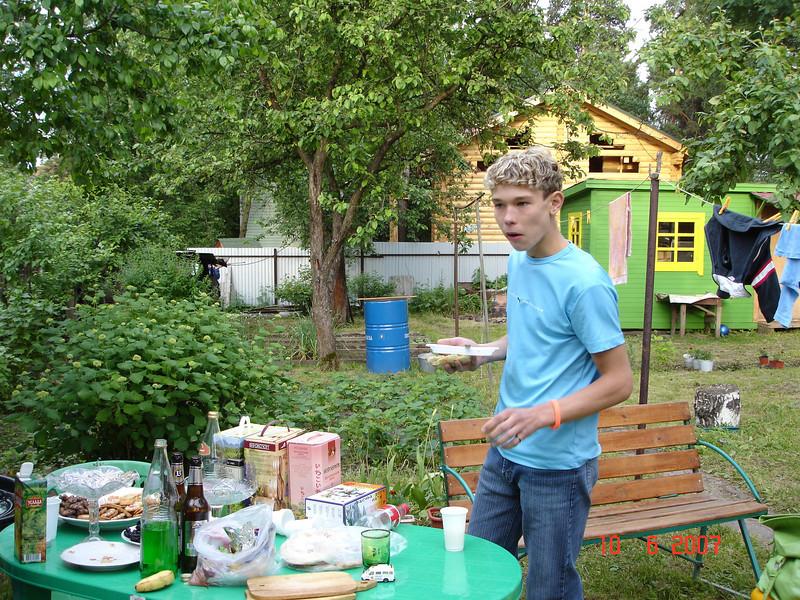 2007-06-10 У Князевых на даче 26.jpg