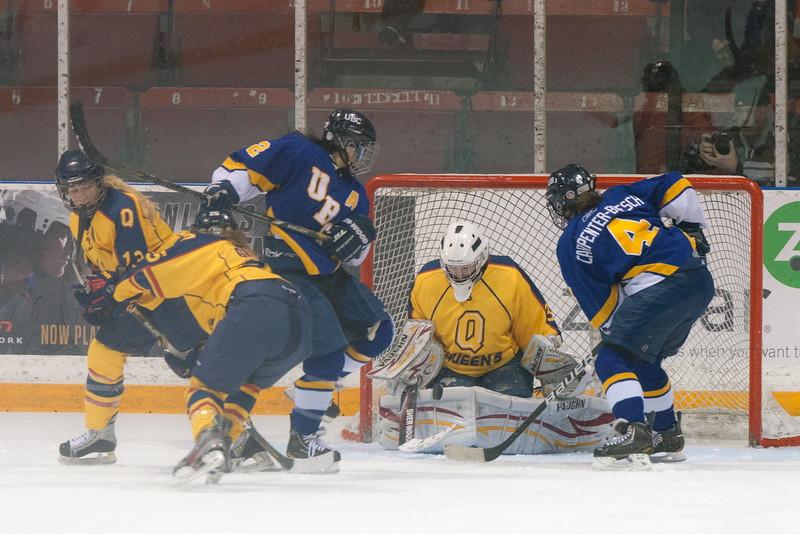 20130310 QWHockeyvsUBC 449.jpg
