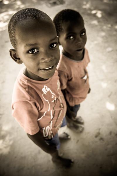 2009-06 Beira - Little Boys.