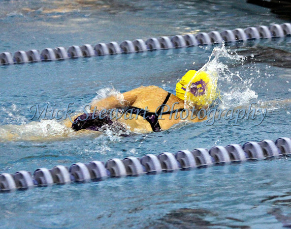 Swimming-Girls 200 yard Freestyle Relay