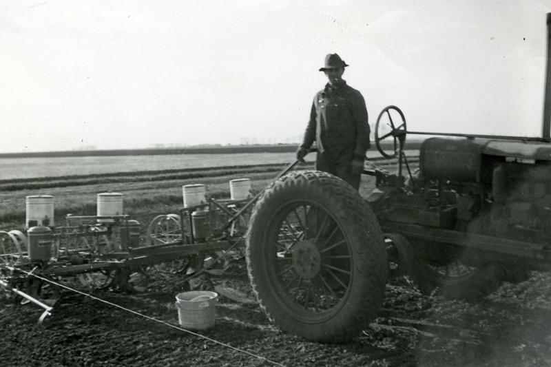 JA041.  Planting hybrid seed - 1939‡ .jpg
