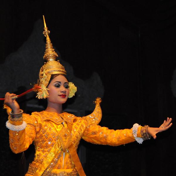 cambodiaDancer4x4DSC_1435.jpg