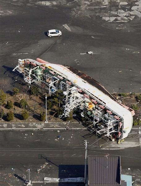 JapanEarthquake2011-326.jpg